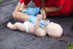 קורס עזרה ראשונה והחייאת תינוקות